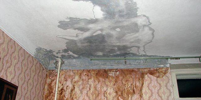 Кто должен ремонтировать крышу в многоквартирном доме при протечке крыши