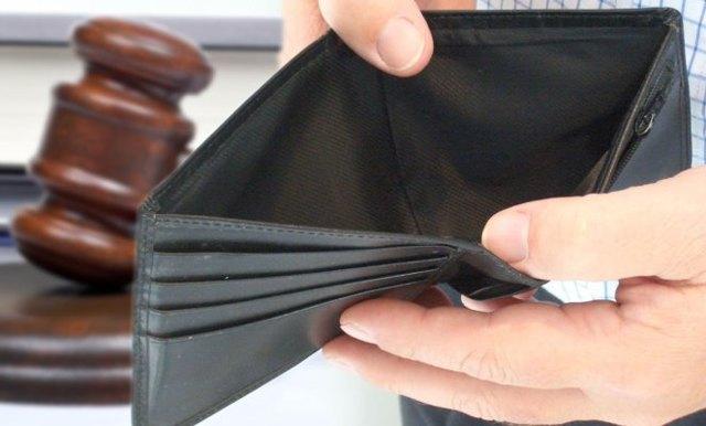 Списывается ли долг по квартплате при банкротстве