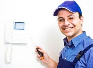 Кто ремонтирует домофон в многоквартирном доме