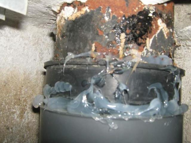 Кто должен ремонтировать трубы стояка в многоквартирном доме