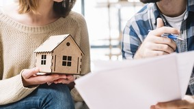 Обслуживает ли управляющая компания балкон квартиры
