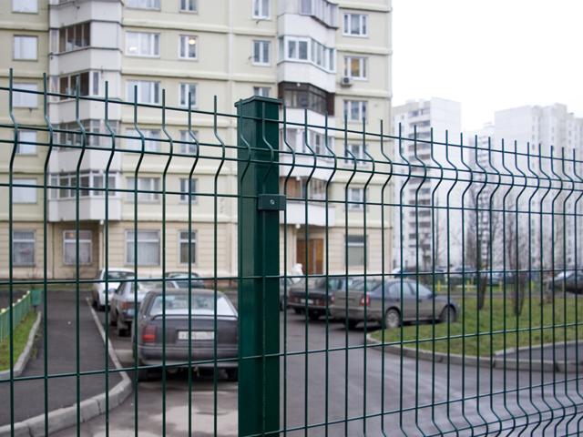 Законно ли огораживать территорию многоквартирного дома