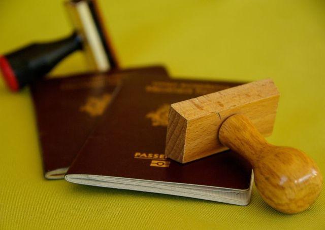 Выпустят ли за границу если есть задолженность за коммунальные услуги