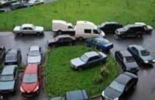 Должна ли быть парковка для автомобилей у многоквартирного дома