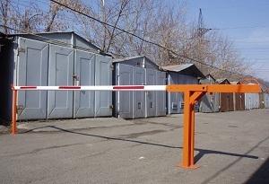 Законно ли установка шлагбаума во дворе многоквартирного дома