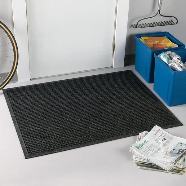 Как выбрать коврик в подъезд дома многоквартирного