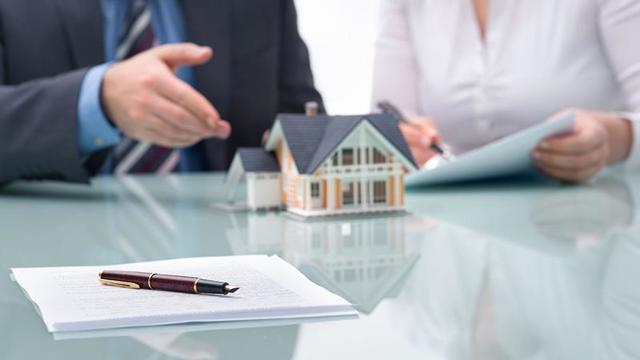 Если купил квартиру с долгом по квартплате кто должен платить