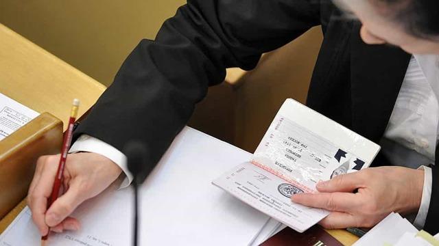 Если есть задолженность по квартплате можно ли прописаться