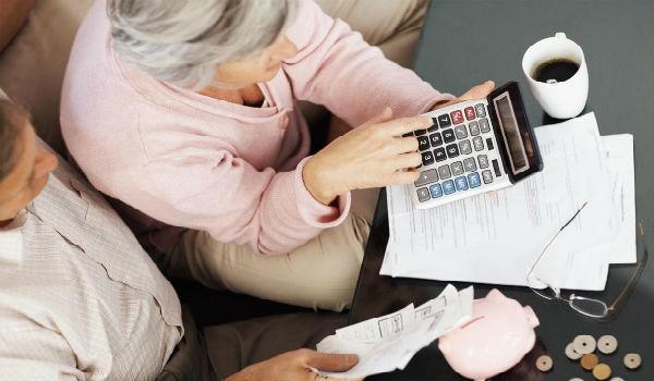 Как выплачивается льгота за коммунальные услуги ветеранам труда